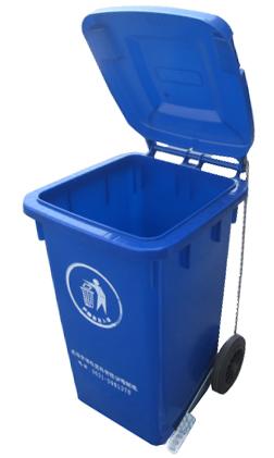 脚踏式垃圾桶省时,省力